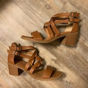 Jellypop brown heeled sandal size 9.5